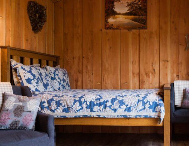 bedroom-area-at-wampford-woodland-reterat-devon