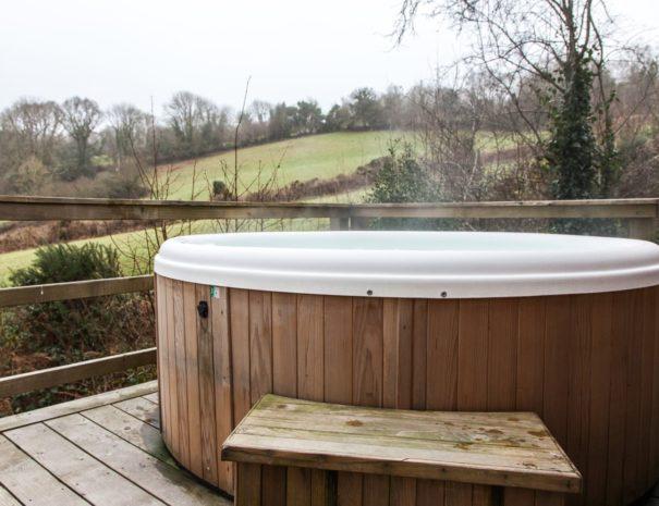 hot-tub-with-views-holiday-lodge