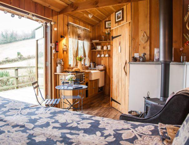inside-view-woodland-retreat-wampford